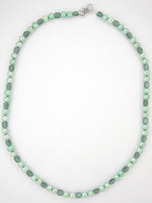 handmade green pearl necklace