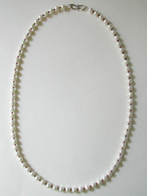 pearl-garnet-necklace