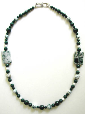tree agate and mountain jade necklace