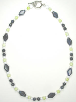 handmade sodalite and lemon jade necklace